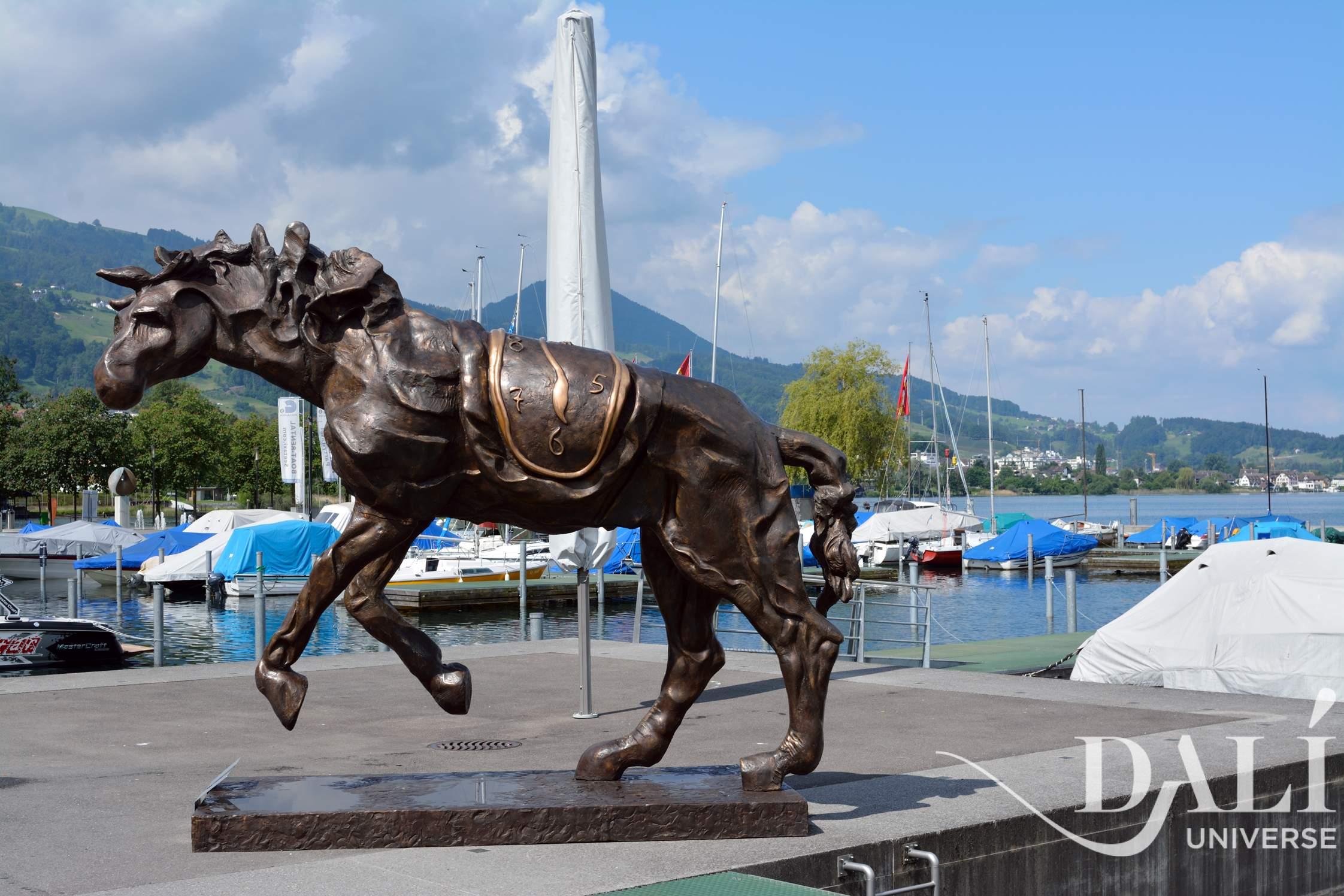 1bc87a1594 Cavallo con Orologio Molle Sculture monumentali | The Dalí Universe